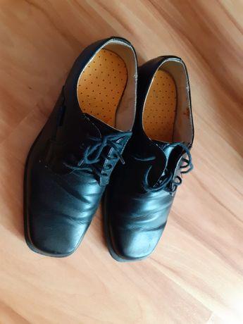 Buty czarne komunijne eleganckie chłopięce roz.33