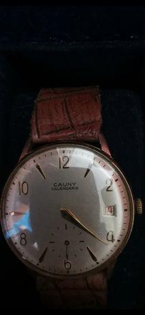 Relógio Cauny calendário.