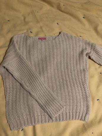 Модный вязанный свитерок на девочку