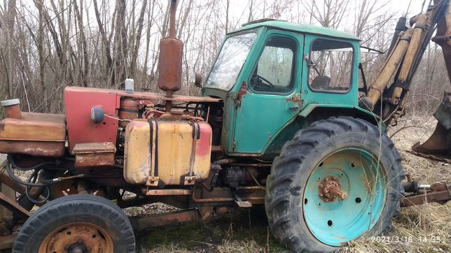 Ескаватор ,трактор ЮМЗ