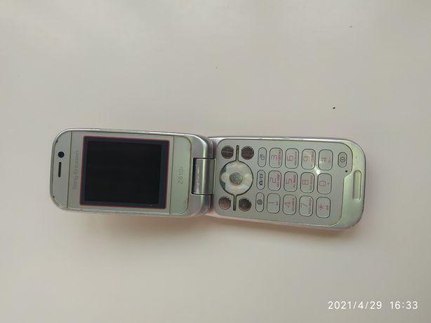 Кнопочний телефон Sony + оригінальні шнури і зарядка