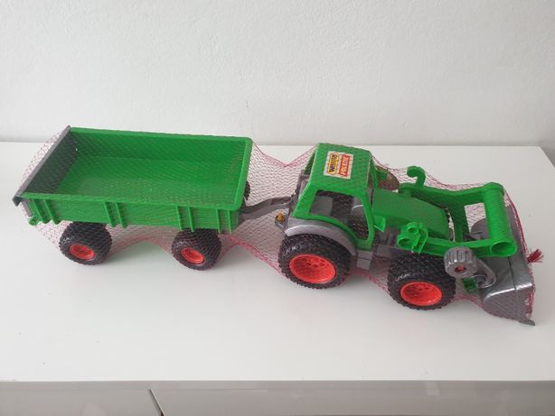 Traktor z przyczepą i łyżką Wader. Gumowe koła.