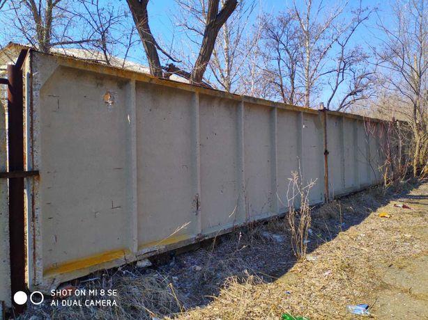 Забор бетонный плиты
