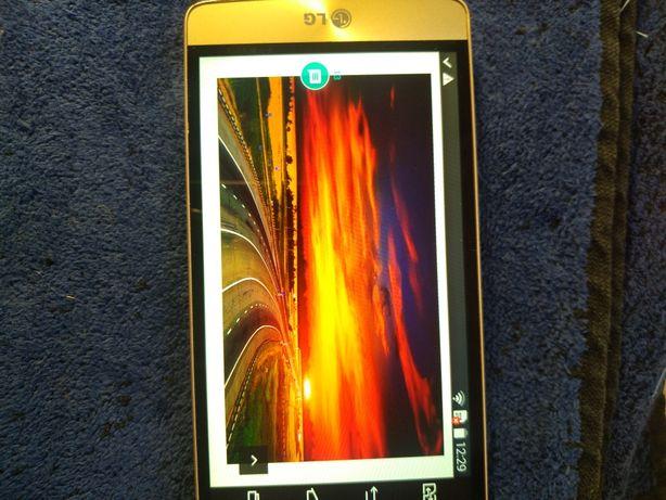 Мобильний телефон  LG-D724