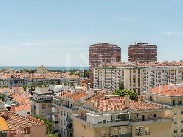 Apartamento T3 com vista de mar para venda na Quinta Marq...