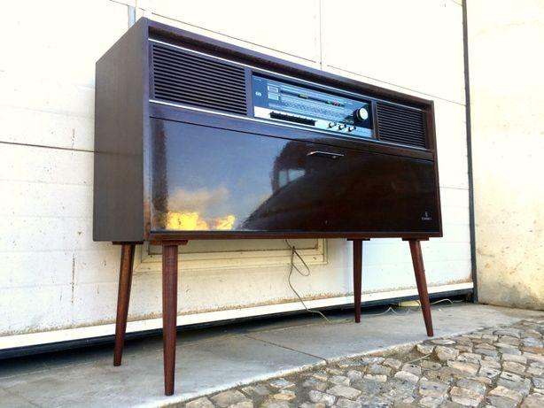 Aparador rádio gira discos Grundig a funcionar 118comp X 36prof X 89al