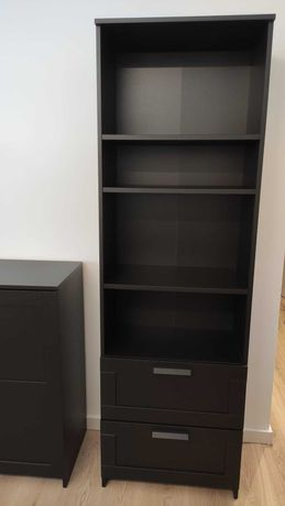 Estante preta com gavetas BRIMNES IKEA