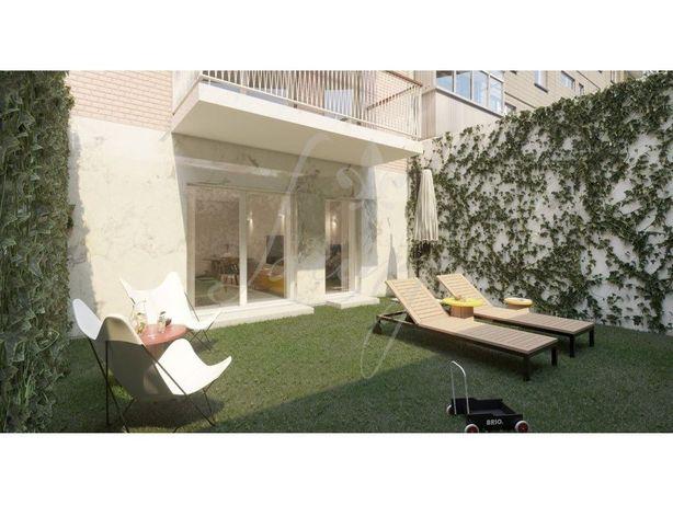 Apartamento T0+1 com Terraço – Fração A – Praia da Frente...