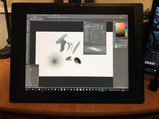 Графический планшет-монитор Wacom Cintiq 21UX (DTK-2100)