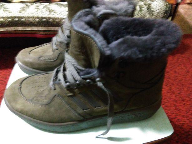 продам зимние ботинки новые