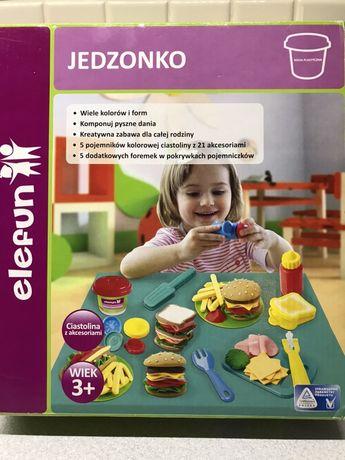 Kuchnia, jedzonko, sklep, plastikowe naczynia, modelina, ciastolina