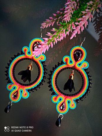 Kolorowe neonowe czarne kolczyki sutasz na wesele ślub prezent