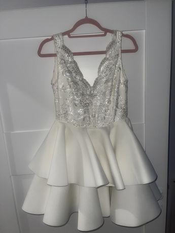 Sukienka emo jak lou kremowa piankowa