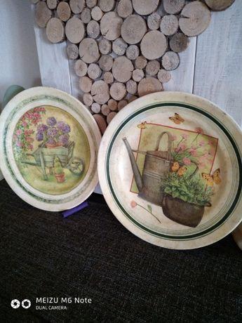 Продаю декоративные тарелки.