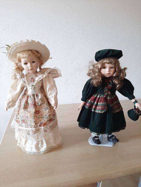 Boneca Porcelana Vintage c/Suporte