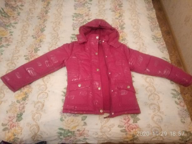 Продам курточку для девочки- 10-12лет