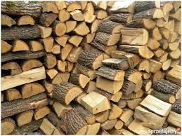 Liściaste kominkowe drewno sezonowane.