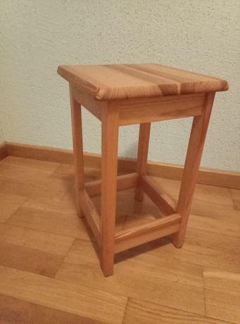 Taboret drewniany