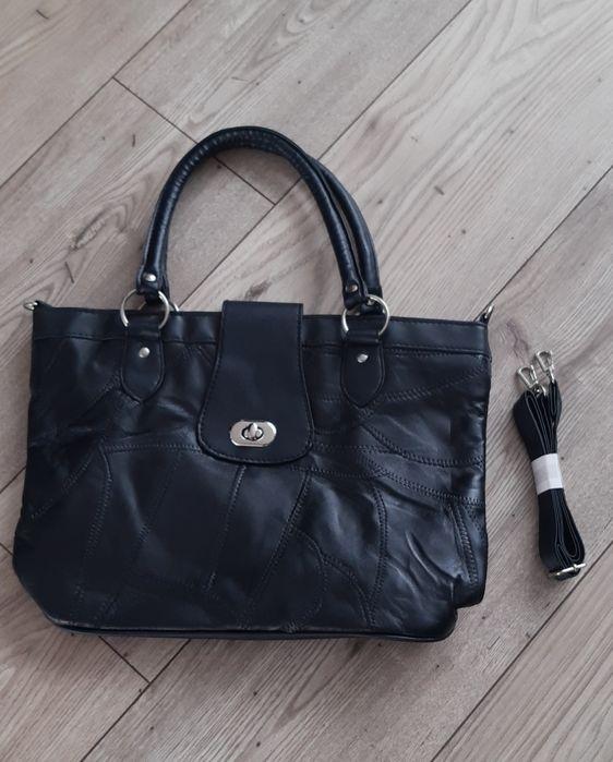 Czarna torebka z ekoskóry Przylep - image 1