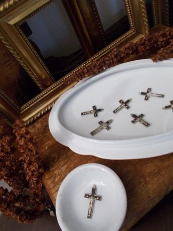 & Święty Krzyżyk z Jezusem na Krzyżu & Przedwojenny & Każdy Inny &