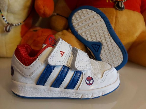 Sapatilhas Adidas n.º 20 (já com portes)