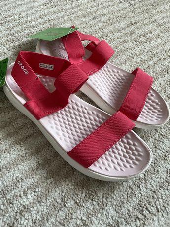 Sandálias Crocs (tamanho 37-38)