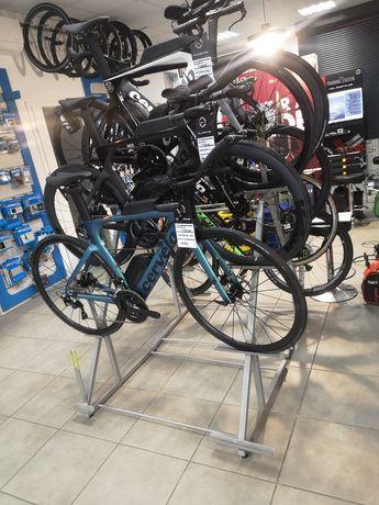 Stojak ekspozytor na rowery