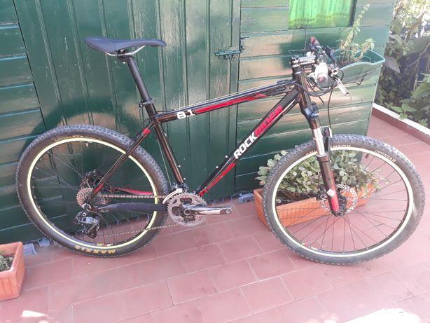Bicicleta Rockrider 8.1 travões disco Shimano, susp Rockshox, SRAM X7
