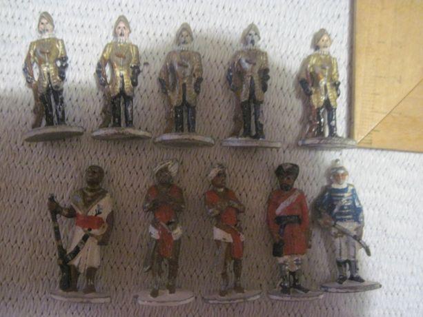 Старые оловянные солдатики 10 шт. Цена за все.