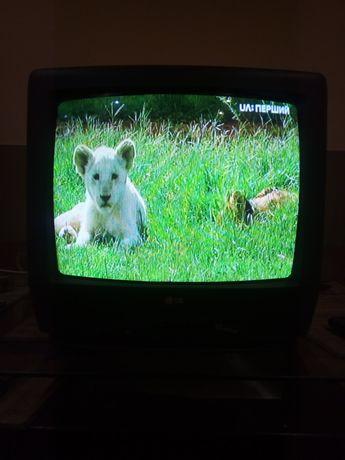 Телевизор на дачу,кухню и т.д.