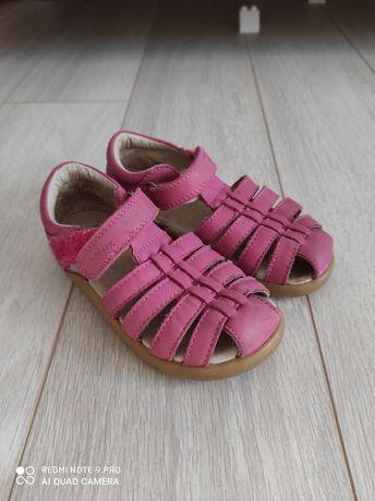 Sandałki 26 bobux różowe, zabudowane