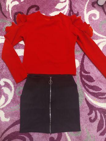 Юбка замш, блуза, кофта с рюшами и открытыми рукавами