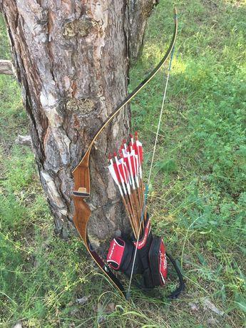 """Американский традиционный лук Bear Archery Black Pantera 56""""/55#"""