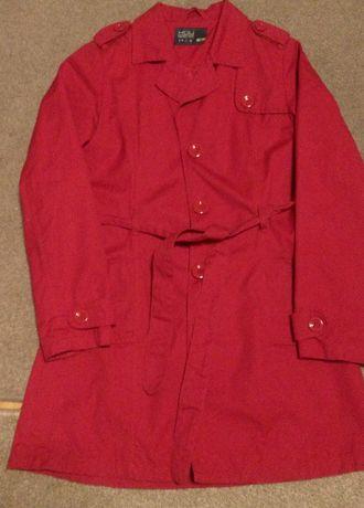 Czerwony płaszcz House
