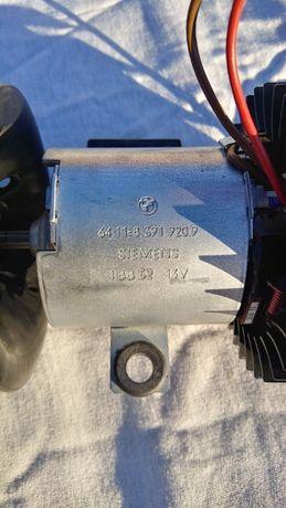 BMW E34 мотор вентилятора печки 64118391920 новый SIEMENS