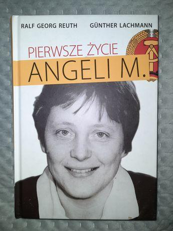 """Książka """"Pierwsze życie Angeli M."""""""