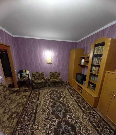 Продам 2-комнатную квартиру. 10 район. Левый Берег.
