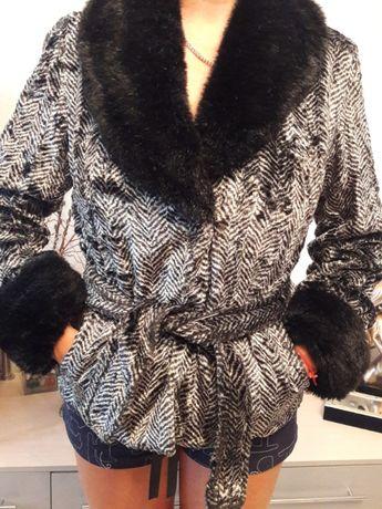 Демисезонное короткое пальто Donna Macarena