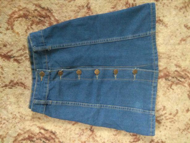 Джисовая юбка на пуговицах