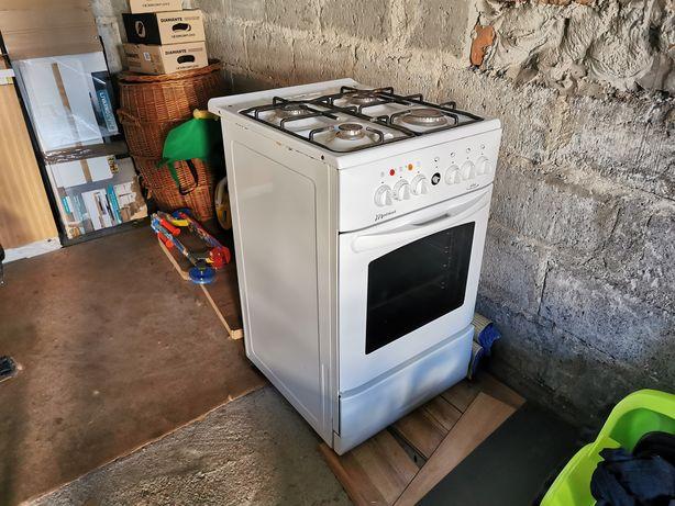 Kuchenka gazowo-elektryczna Mastercook KGE 3420 B Plus. Sprawna cała