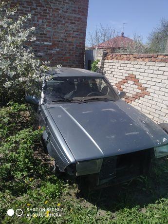 Продам Alfa Romeo 75 на запчастини.1990рік