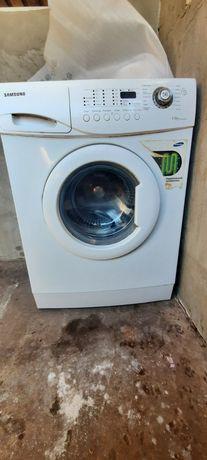 Срочно!!!Продам стиральную машинку.Samsung