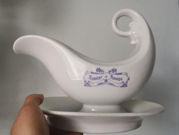 Porcelanowa sosierka PRL-u