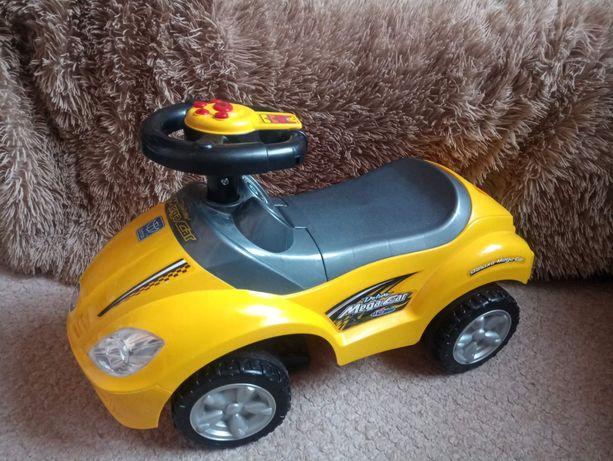 Машинка-каталка Mega Car Deluxe