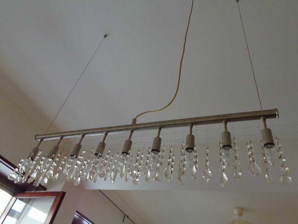 Candeeiro suspenso em aço e vidro