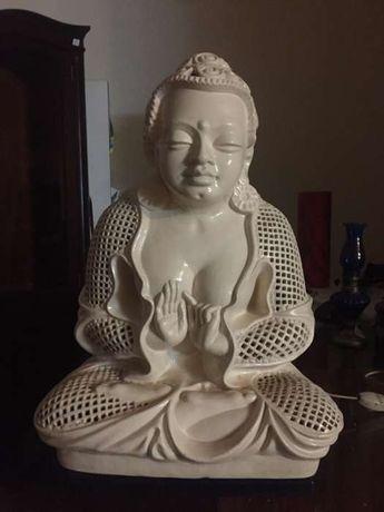Buda. Em porcelana. Eletrificado com luz interior.