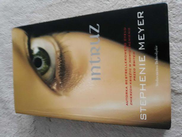 "Książka S. Meyer,,Intruz"""