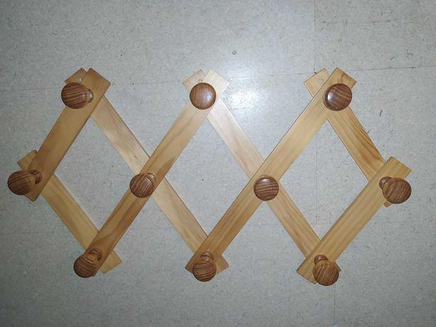 Cabide de madeira extensível para parede