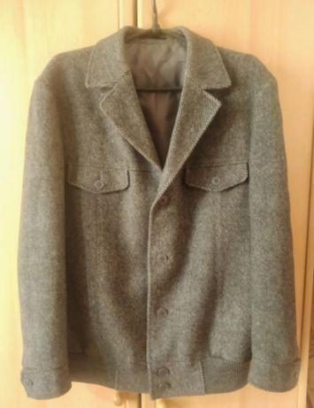 Продам шерстяной бомбер( куртка, ветровка, пиджак)