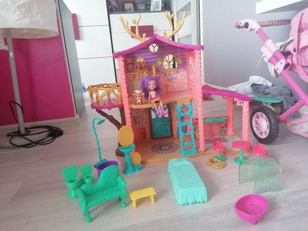 Na sprzedaż. Domek dla Enchantimals, Dom jelonków + 7 lalek.